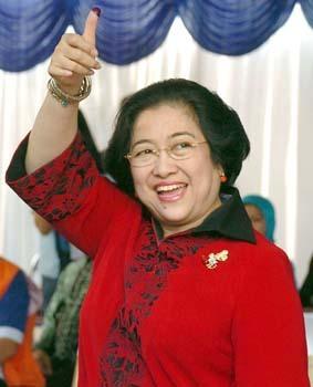 INDONESIA-VOTE-MEGA-SIGN
