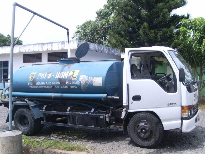 Mobil Penyedia Air Bersih PDAM Way Rilau